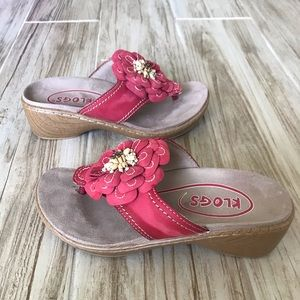 Klogs Aloha red floral thong wedge Size 6 EUC